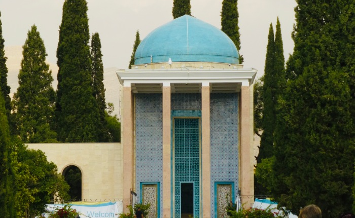 Dead Writers Tombs, Mausoleums and Memorials Iran andRussia.